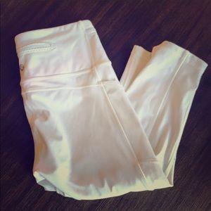 Lululemon white cropped leggings